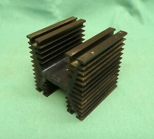 Heatsink  Heavy Duty Large Finned Heatsink Extruded Aluminium