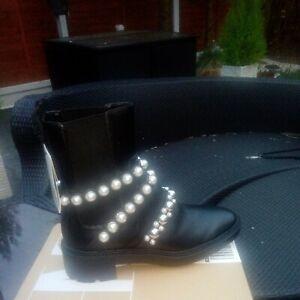 BNWT & BOX Black ZARA Pearl Leather Ankle Boots UK 4