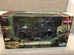 Unimax Bravo Team 1:18 U.S. M16 Multiple Gun Motor Carriage/Halftrack, 71003