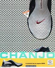 PUBLICITE ADVERTISING 075  2002  NIKE  les chaussures sport  CHANJO