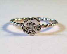 14 KT SOLID WHITE GOLD   FLOWER  RING  WITH DIAMOND SZ 9