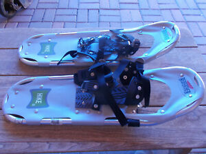 """Redfeather  Hike Snowshoes .   Snow Winter Spike Shoes (8"""" X 25"""")  USED"""
