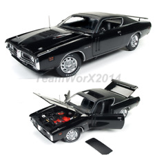 AW AMM1107 1971 Dodge Charger R/T Hardtop with Sunroof (MCACN) Diecast Car 1:18