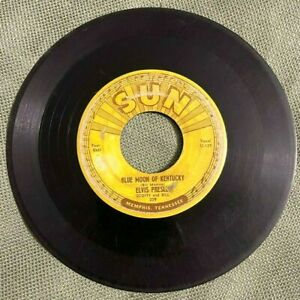 ELVIS PRESLEY SUN RECORDS (209) 45 BLUE MOON KENTUCKY/THAT'S ALL RIGHT pushmarks