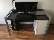 Robuster Schreibtisch mit Rückwand Metallrahmen & Holz (140x84x75, grau/silber)