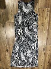 H&M Womens Black White Leaf Feather Print Full Length MAXI Summer Dress. Size XS