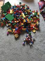 MASSIVE BUNDLE  540 PIECES LEGO DUPLO