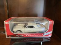NEW-Anson Metal Series 1963 Ford Thunderbird Hard Top Daytona White 1:18. 9892