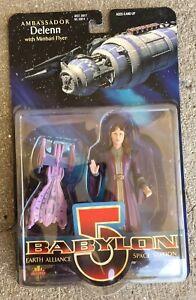 Babylon 5 Ambassador DeLenn Exclusive Premiere Figure w/ Minbari Flyer NIP