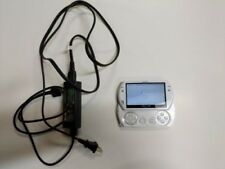 SONY PSP GO PSP N1001 White Portable Playstation with Charger