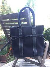 Authentique sac à main en toile coton et cuir  noir LANCEL  PARIS Ligne «Elsa»