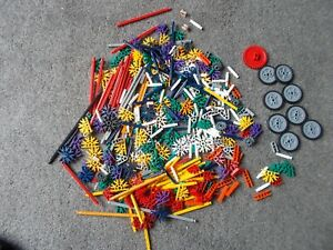 COLLECTION/JOB LOT OF K'NEX PIECES ( APPROX 0.75 KILO)