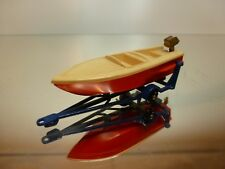 LESNEY 46 TRAILER + SPORTS BOAT - BLUE + RED L7.5cm - GOOD CONDITION