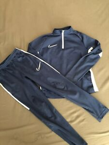 Boys Nike Dri Fit Tracksuit Age 6-7years