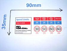 Velocidad límite Pegatinas Etiquetas x 2 coches y caravanas o remolques de 90mm X 35mm advertencia
