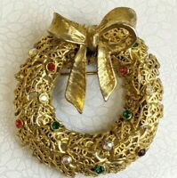 """Vintage Signed Tancer II Bow Wreath Filigree Gold Tone Christmas Brooch Pin 2"""""""