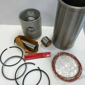 HINO TRACTOR / TRUCK PISTON AND LINER KIT B3128000