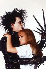 Johnny Depp Winona Ryder Embracing entre Sí Edward Manostijeras 11x17 Póster