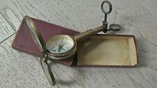 brújula antigua ,lupa, miroir.de viajes en su caja original