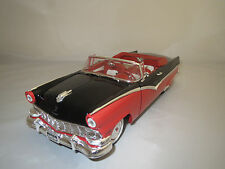 "Ertl/American Muscle  Ford  Sunliner  ""1956""  (orange-rot) 1:18  ohne Verpackung"