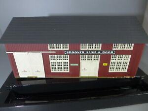 HO Walthers Spooner Sash & Door Factory 933-2847