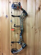 Bear BR33 Right Hand Compound Bow