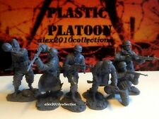 NEW!! PLASTIC PLATOON,GERMAN Fallschirmjägers,Winter 1941,6 rubber soldiers1:32