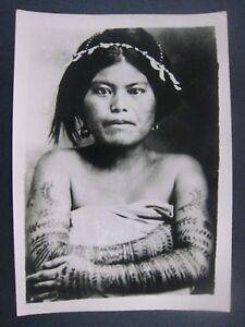 Vintage.. 1940s.. 7'' x 5'' photo..Native Ingrote Girl with Tattooed body