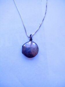 Vintage Jewellery - Sterling Silver Etched Locket & Necklace - Deceased Estate