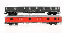 LIMA & ROCO 'HO' GAUGE PAIR OF ASSORTED BAGGAGE CARS (8C)