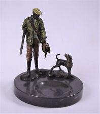 Bronzeskulptur Bronze Figur Statue Jäger mit Hund, Marmor Schale