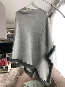 Poncho der Marke Cashmere in grau mit Kunstpelz