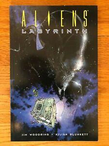 Dark Horse ALIENS LABYRINTH Trade Paperback TPB First Printing 1995