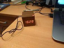 Holz Wecker mit Temperature und Datum