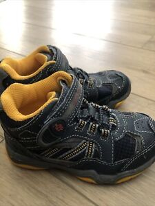 Stride Rite SNEAKERS 10 (left Foot) 8.5 (R-f)Toddler Boys Shoes Made to PlayEUC!
