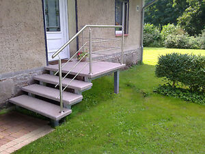 Treppe Aussen Haus Eingang Podest Naturstein Granit Beton Stufe Tritt beige