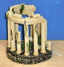 Ruinas antiguas columnas romanas Ornamento Aire grifo Decoración Acuario Pecera