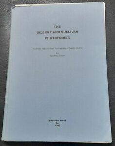 1995 Book The Gilbert & Sullivan Photofinder Geoffrey Dixon  D`Oyly Carte Opera