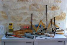 Lot de divers outils - Spatules - Bois à onglets - Burin - Forêts métal