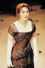 Kate Winslet As Rose Dewitt Bukater In Titanic 11x17 Mini Poster Gloves & Dress