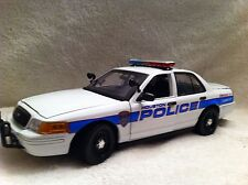 1/18 SCALE HOUSTON TEXAS POLICE  UT DIECAST MODEL  WITH WORKING LIGHTS AND SIREN