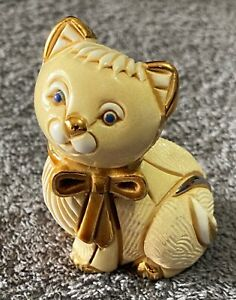 Rinconada De Rosa Cat with Gold Ribbon Figure 1722