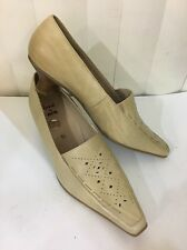 Rene By ARA Beige Leather Pointy Stitched Low Heel Shoes Size 8 (EU 5.5)