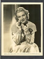 LOVELY GINGER ROGERS APPLIES MAKE-UP - 1935 RKO RADIO PICTURES - MUSICAL DANCER