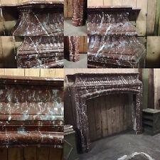 cheminée louis XIV à ressaut cannelurées de couleur rouge  . XIX siècle .
