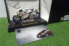 MOTO APRILIA RS3 MotoGP 2004 #67 S. BYRNE au 1/24 IXO RAB078 miniature