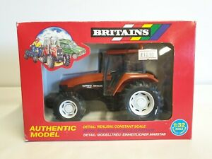 Britains #9490 Fiat New Holland M160 Tractor 1:32