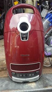 Miele C3 Cat and Dog Vacuum Cleaner body and motor cat dog