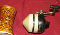 Vintage ZEBCO 888 FISHING REEL Closed Face Spincast Reel Pre-Owned GC / USA Made