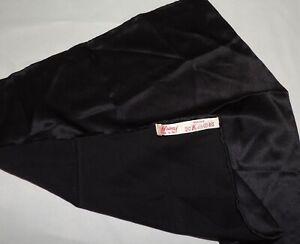 Brioni men's solid Black pocket silk pocket square